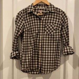 Button down blouse gray and white buffalo plaid